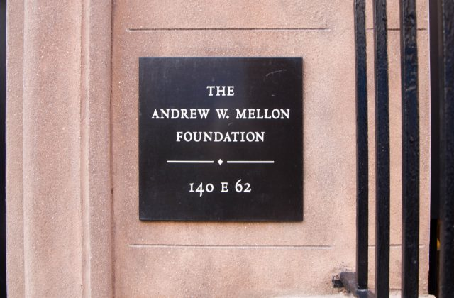 Plaque. Photo Andrew W. Mellon Foundation