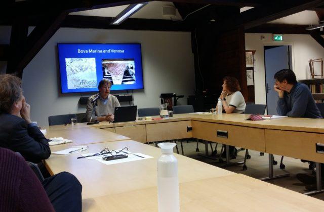 Theme-group member Dr. Leonard Rutgers presenting at NIAS seminar. ©NIAS