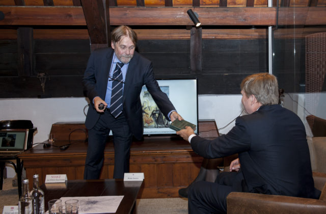 King Willem-Alexander visits KNAW's Humanities Cluster Institutes and NIAS 4