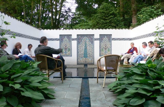 NIAS Fellows in the Rose garden at Wassenaar